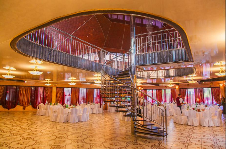 Замок-отель «Вышеград»