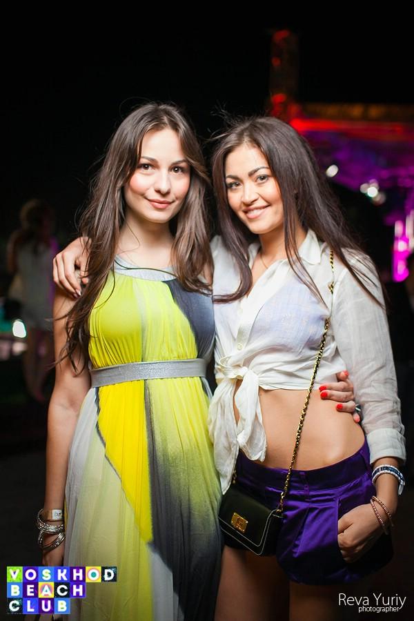 2.M.A.C.H.O.S. в Voskhod Beach Club