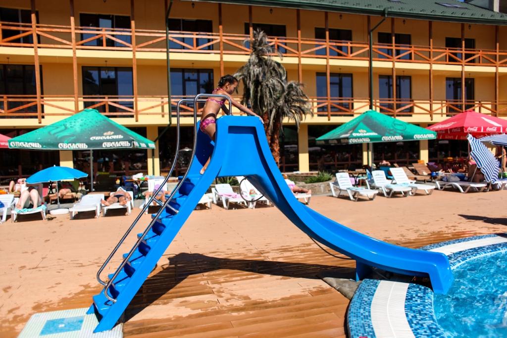 Відпочинок біля басейну @ ТРГК «Сонячна долина»