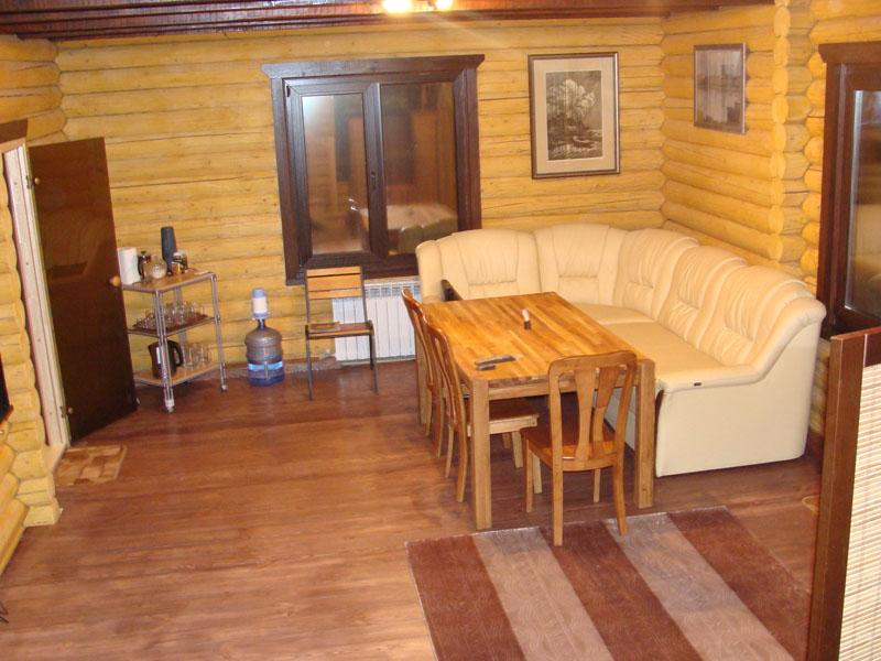 Русская баня на берегу залива Днепра