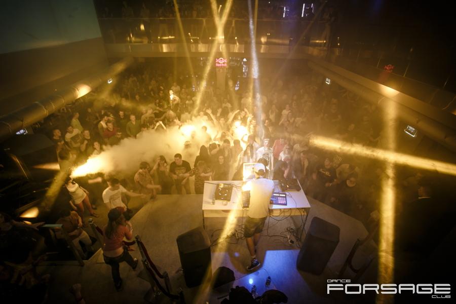 Drop the bass в Forsage