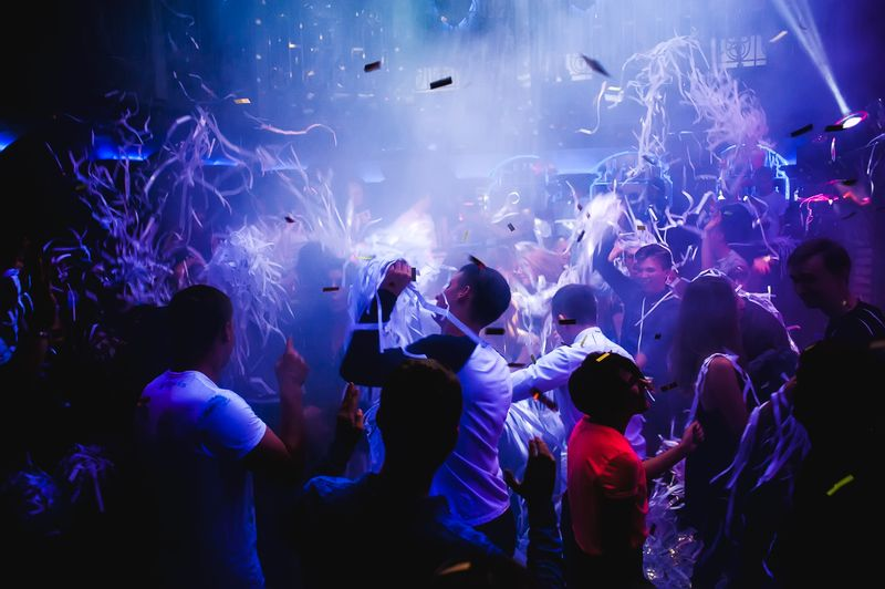«Paper Rave» в «Saxon»