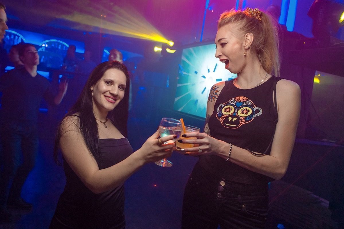 «АлкоХимия» в клубе «Saxon»