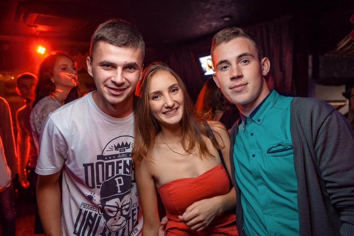 «SelfieChicks» в клубе «Saxon»