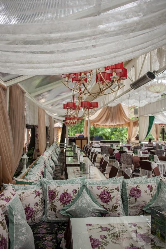 Ресторанный комплекс «Двор Голосеевский»