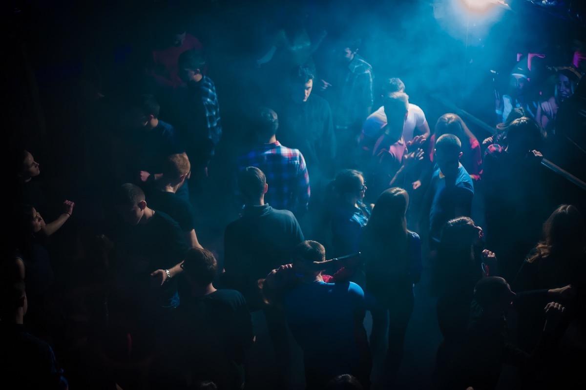 «Hypnotize» в клубе «Saxon»